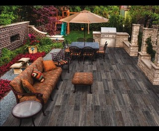 Outdoor Kitchen With Porcelain Tile Wood Plank