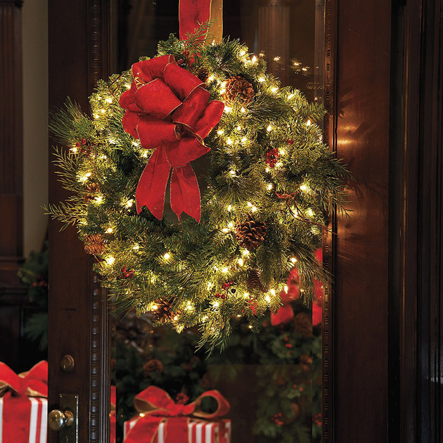 Classic collection outdoor window christmas wreath with Outdoor christmas garland ideas