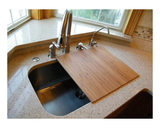 UC-SS-CL-S2 (16G) Undermount sink w/ cutting board - UltraClean Undermount Kitchen Sinks  by Create Good have a seamless, perfectly formed drain. This UltraClean Large Single Bowl Sink is perfect for families desiring the highest sanitary standards all the way to the drain.