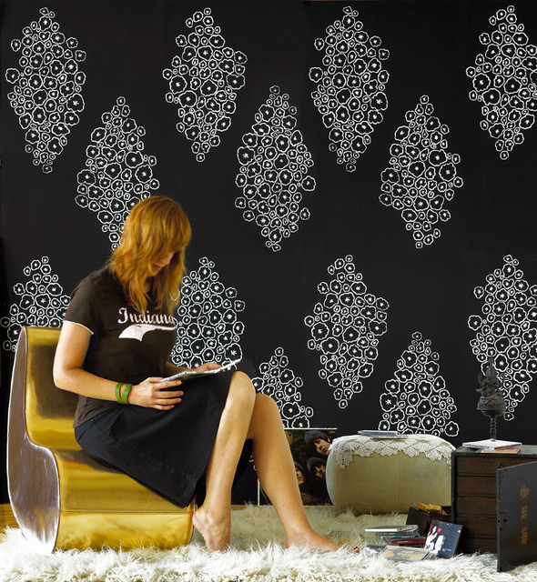 Serious Bokay in Black and White contemporary wallpaper