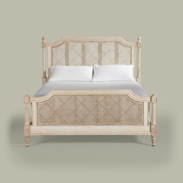 Maison Elise Bed traditional
