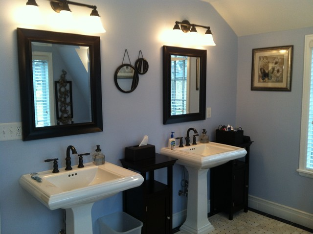 Archos Architect's Home traditional-bathroom