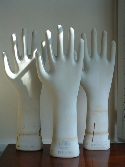 Porcelain Glove Mold  