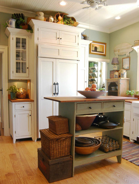 1890 Cottage Style Kitchen - Traditional - cincinnati - by The ...