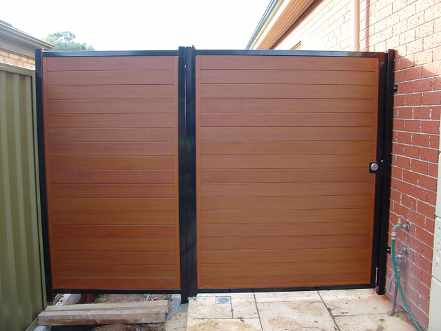 Modern Fencing - Modern - Home Fencing And Gates ...