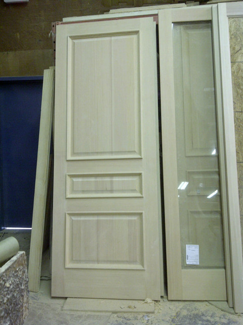 Solid VG Fir 3 Panel Raised Bolection Molding traditional front doors