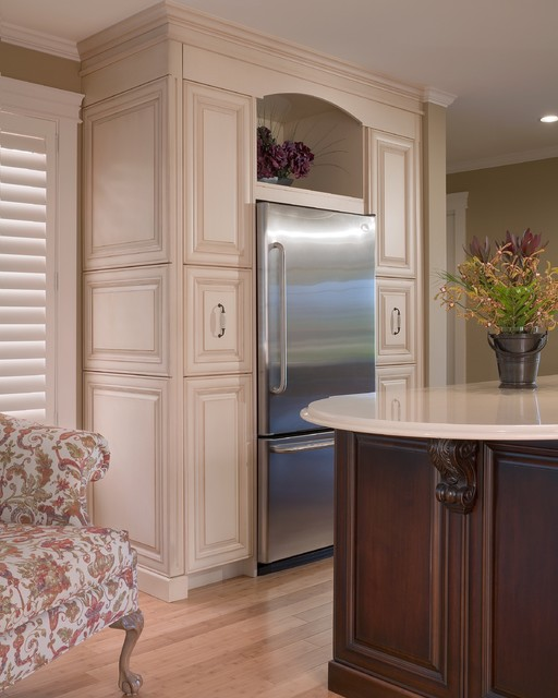 Traditional Kitchen Or Country Kitchen