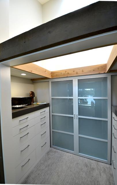 Scott Payne Architect Custom Remodel contemporary-closet