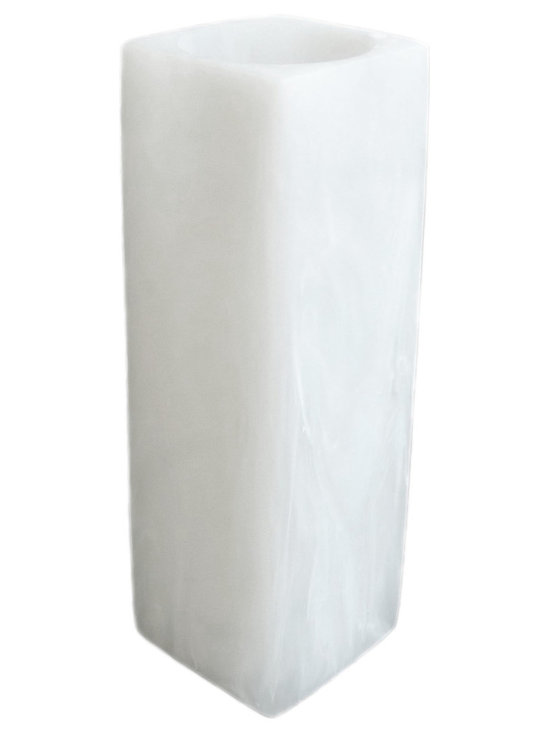 Martha Sturdy - Martha Sturdy resin vase in white marble - With an international reputation in art, sculpture and design, Martha Sturdy is known for her distinctive style that is sophisticated, minimal and bold. Martha creates oversized statements in resin, steel and brass. Made in Canada, her work represents three decades of artistic evolution.