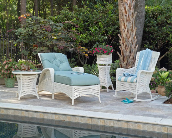 Lloyd Flanders Grand Traverse Adjustable Chaise - Lloyd Flanders Grand Traverse Adjustable Chaise, a beautiful addition to any poolside collection.