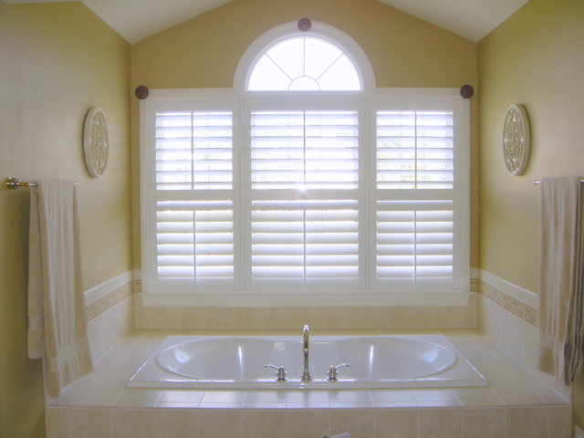 bathroom plantation shutters window treatments new orleans - Bathroom Window Treatments