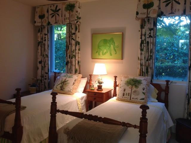 Pelical Bay tropical-bedroom
