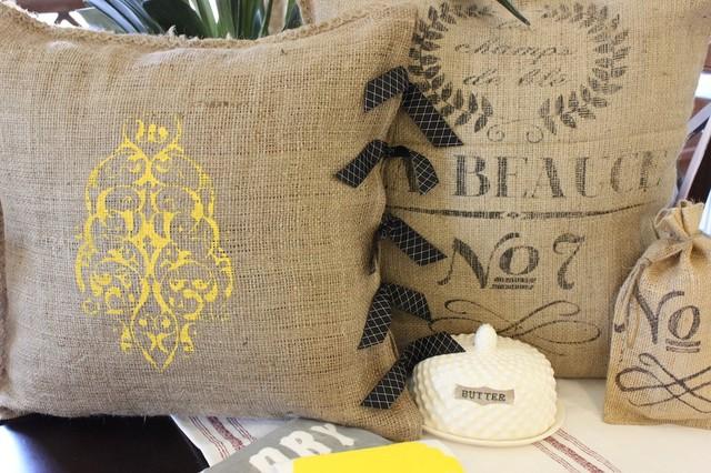 MODERN VINTAGE MARKET SHOP traditional-decorative-pillows