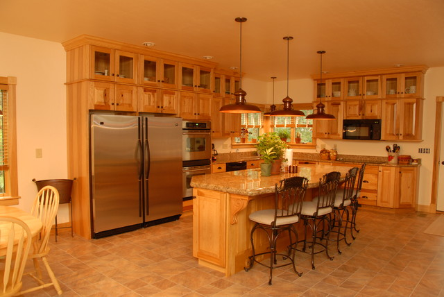 Rustic look with Hickory cabinets from KraftMaid - Rustic - other metro - by Buterbaugh's ...