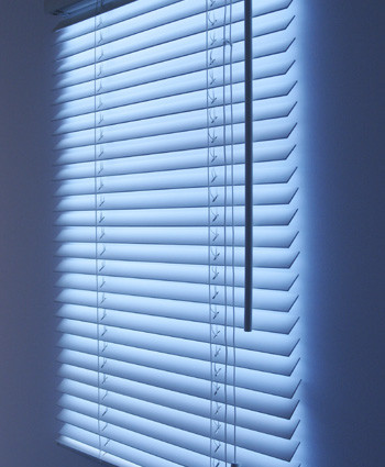 Bright Blind by Makoto Hirahara contemporary-window-blinds