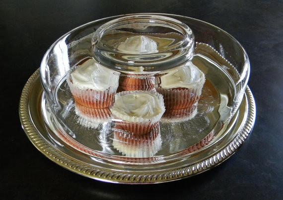 Elegant Desert Tray traditional-platters