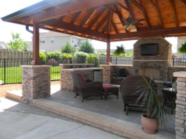 Outdoor Living Spaces traditional