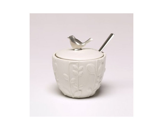 Beehive Laurel Jam Pot - Inspired by natural beauty and modern design, the Laurel Jam Pot by Beehive is designed to be as practical as it is beautiful.