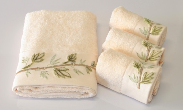 Little forest cream pieces velvet embroidered towel set