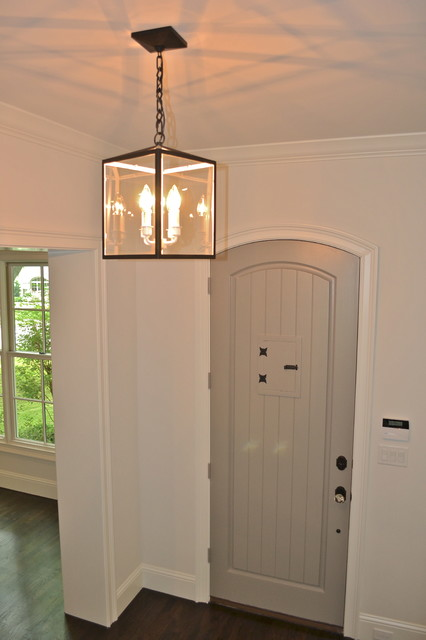 Stanford Avenue traditional-entry