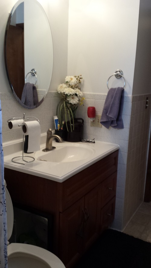 Small Ranch Style Home Bathroom Remodel