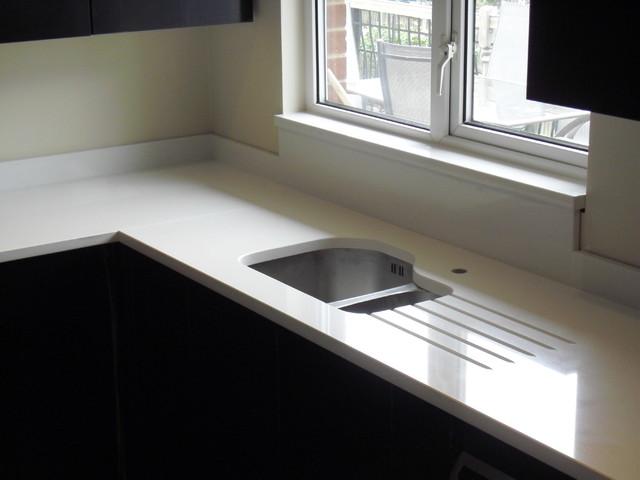 Luna Quartz Worktops With Undermount Sink Compac