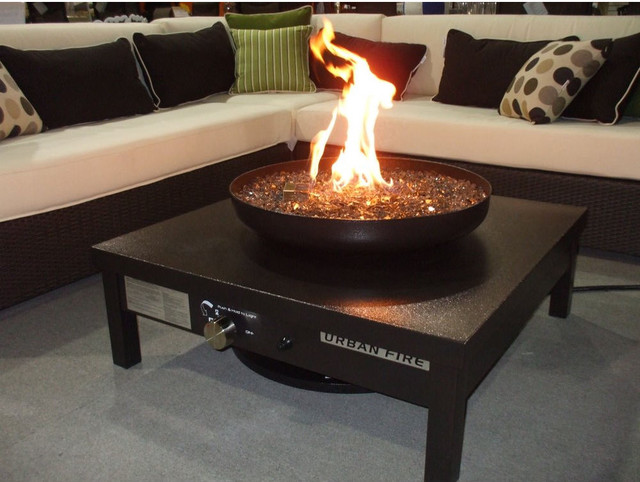 Urban Fire - Powder Coated Gas Outdoor Fireplace in Black modern firepits