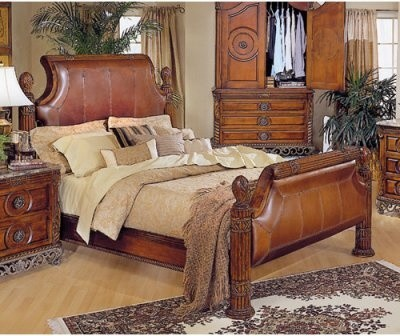 Barcelona Leather Sleigh Bed modern-beds