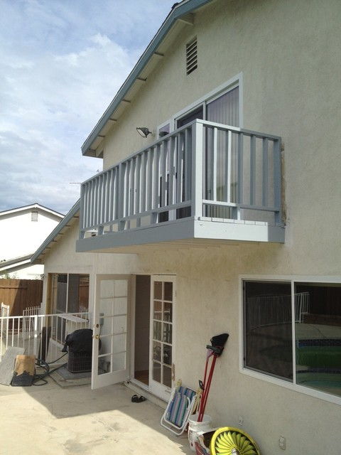 Upstairs balcony los angeles by palatin remodeling for Upstairs bedroom ideas