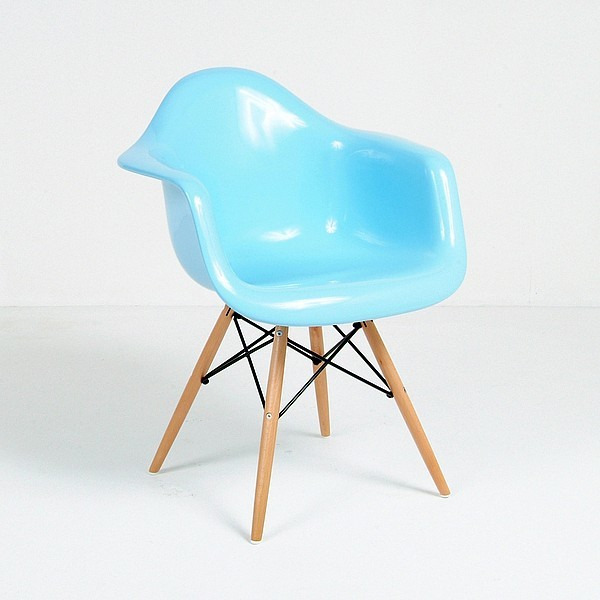 Eames: Molded Fiberglass Arm Chair midcentury-chairs