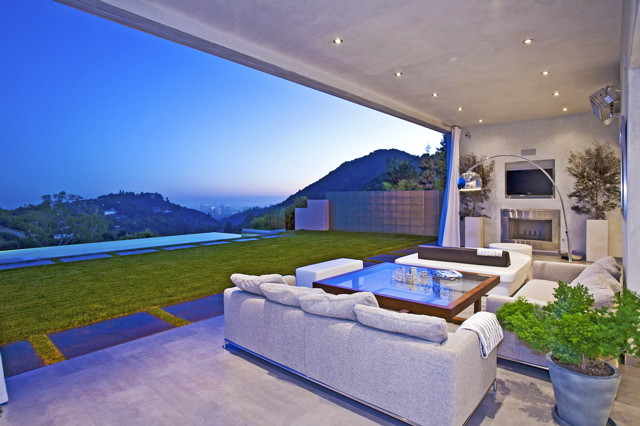 Highridge Residence modern patio