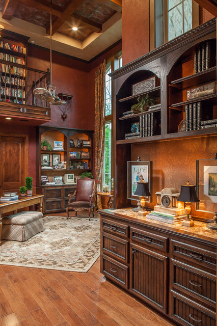 Family Estate traditional-home-office
