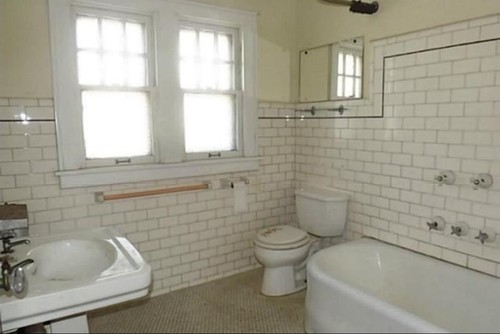 Bathroom in the new house needs help i love the old for Bathroom ideas 1920s home