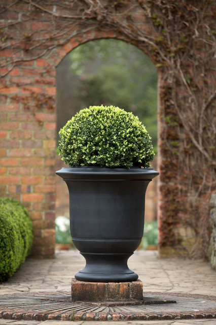 Landscaping With Urns : Geo rok pots urns and landscape features