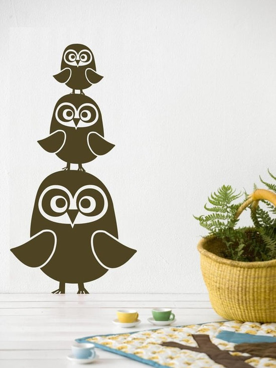 Ferm Living Three Owls WallSticker - With Ferm Living WallStickers it is easy to create a new look and change the style in a room in a matter of minutes. By using WallStickers, your kids can also help decorate their own room in an array of colors.