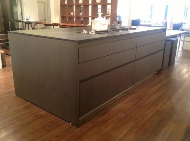 Binova kitchen 50 off modern kitchen cabinetry for Kitchen cabinets 50 off