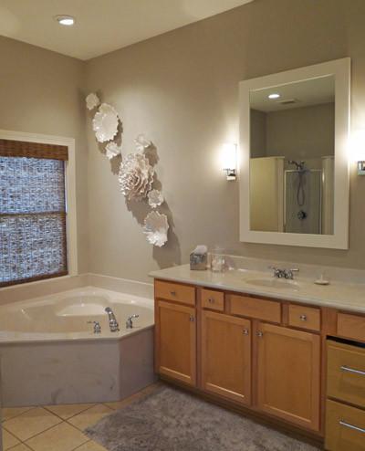 Modern Suite Serenity traditional-bathroom