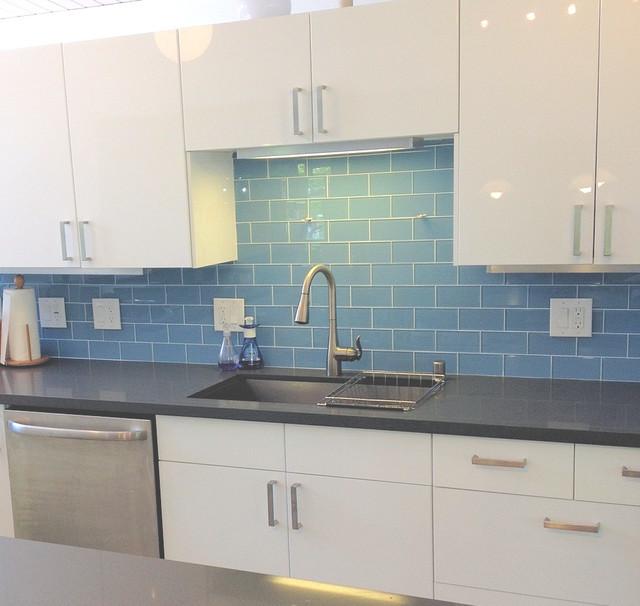 Sky Blue Modern Kitchen Backsplash