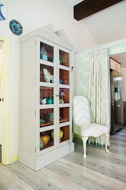 Long Island Cottage! eclectic