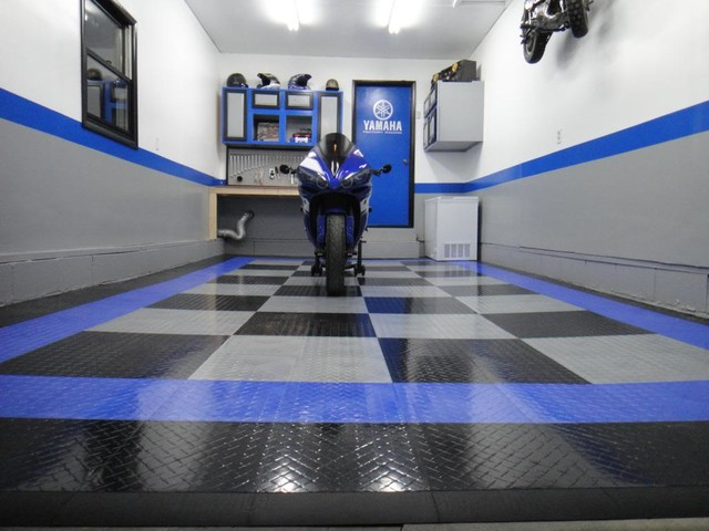 Racedeck garage flooring ideas cool garages with cool for Cool garage floors