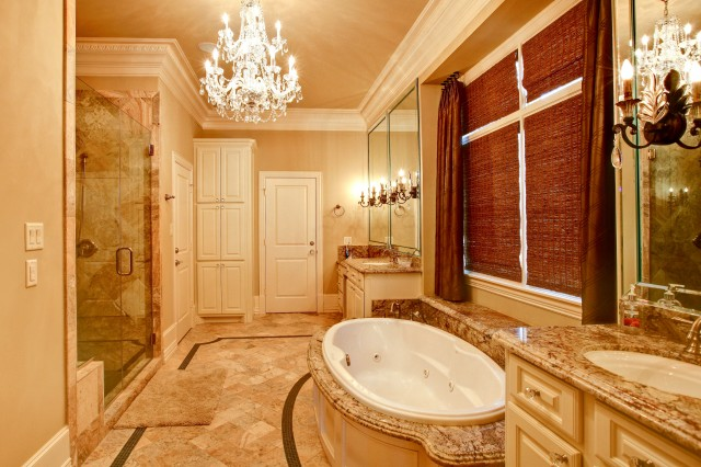 Luxurious Master Bath traditional-bathroom