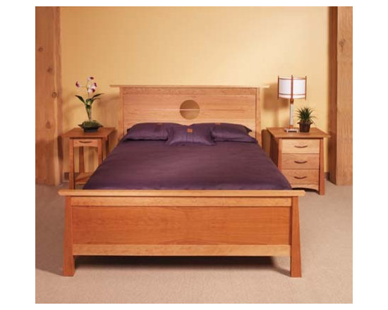 KYOTO BED - In honor of the city that is home to many of the most stunning shrines and temples in Japan, the Kyoto collection was inspired by the majestic lines of traditional Tori gates.