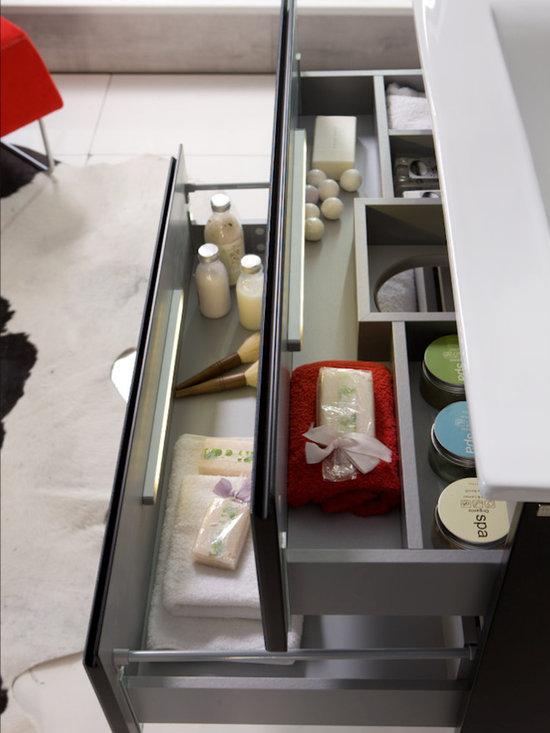 """Macral Cuero 32 inch bathroom vanity"""" - Made in Spain."""