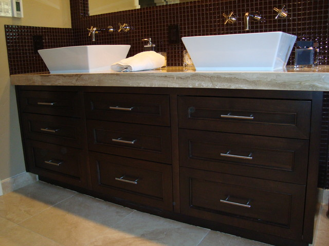 Saratoga traditional-bathroom-vanities-and-sink-consoles