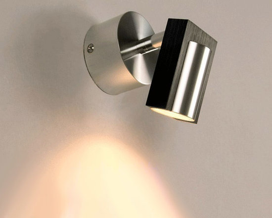 Modern Bathroom Simple Wall Sconce in Brushed Finish - Modern Bathroom Simple Wall Sconce in Brushed Finish