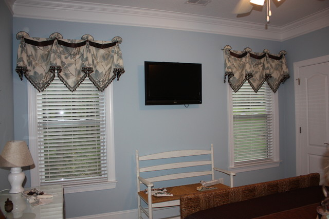Blue and brown bedroom traditional window treatments by hanging