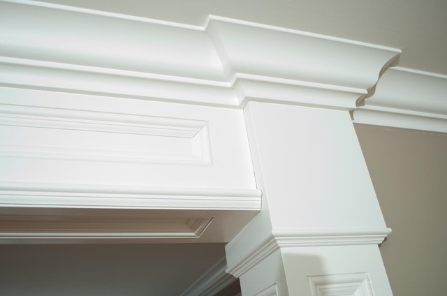 Customized moulding in new home traditional