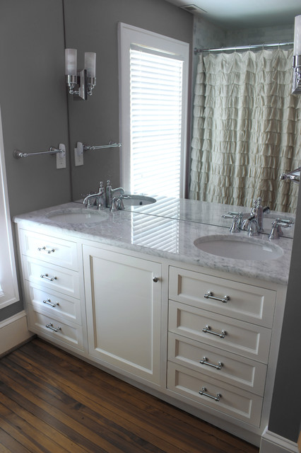 vanity transitional-bathroom