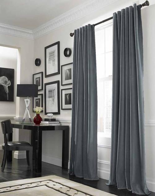 Esta sala ficou linda cortinas cinzas deram um aspecto moderno