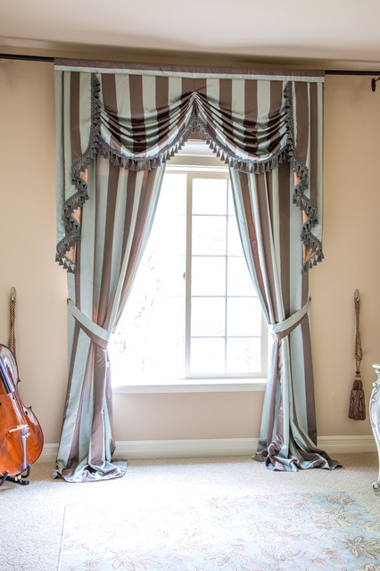 Elegant Valance Curtains By Living Room Seattle By Celuce